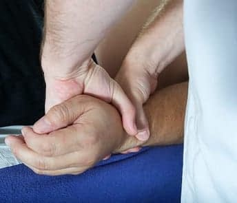 osteopath-and-hands-scaled-oso